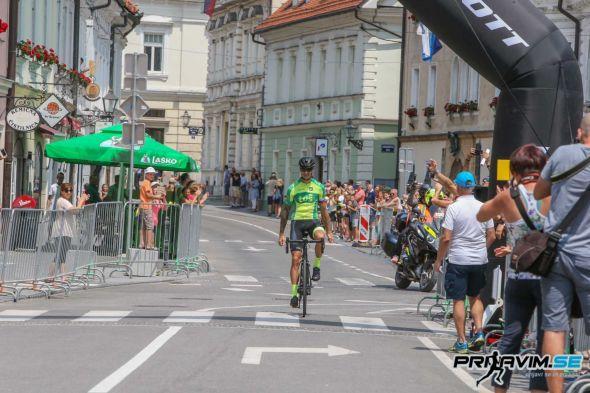 MaratonAlpe2019-cilj-2928.jpg