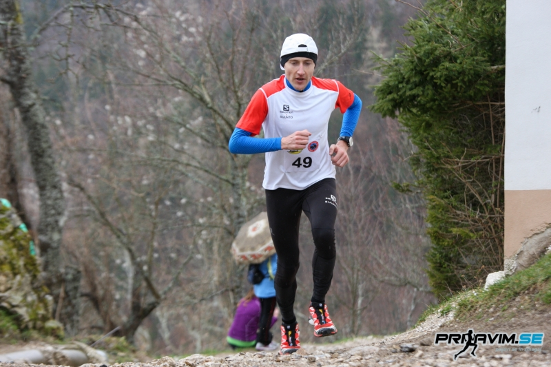 Peter Lamovec in Sara Jaklič zmagovalca že 21. gorskega teka k Svetemu Primožu