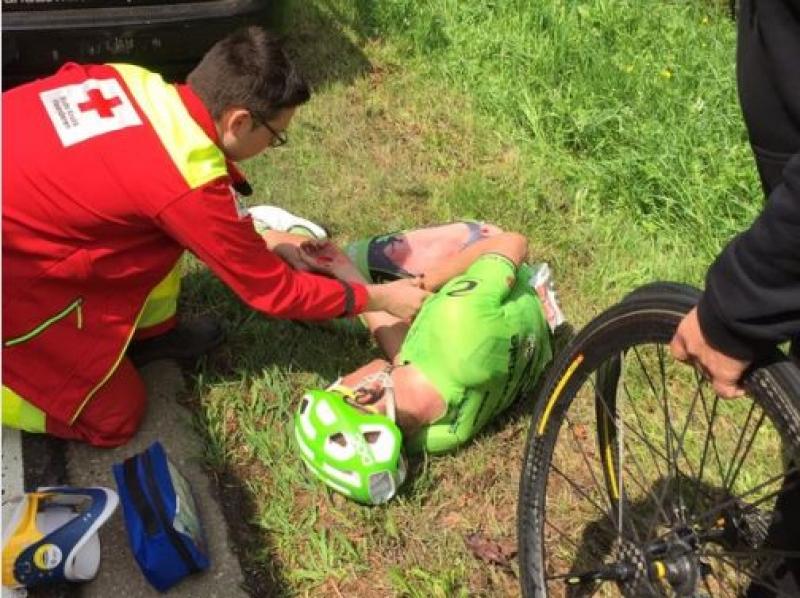 Motorista povzročila padec kolesarjev, ekipe Lotto Sundal v zadnji etapi ne bo na štartu