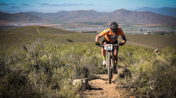 Cape Epic: Jazbeca naprej, skoraj skupaj
